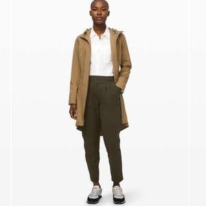 Lululemon Essential High-Rise Trouser Size 6